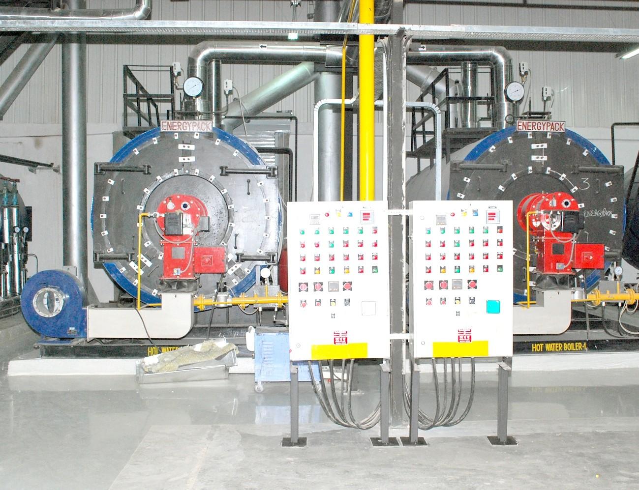 Pressurized closed loop hot water boiler
